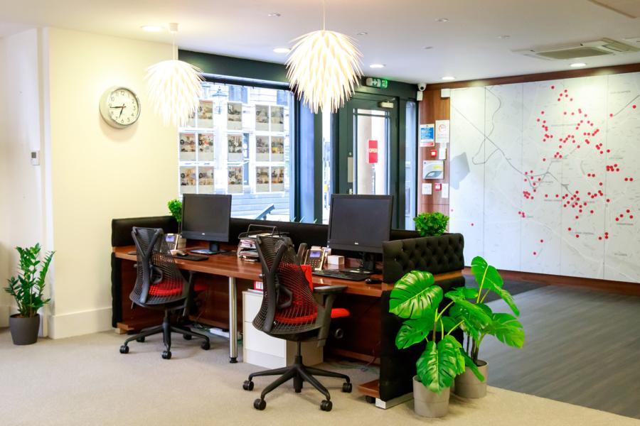 FleetMilne : reception desk